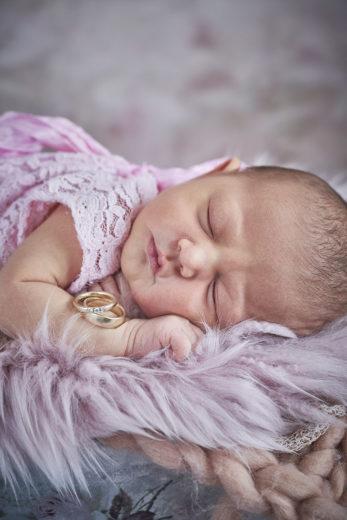 Neugeborenenfotos von beste Fotograf in Hannover